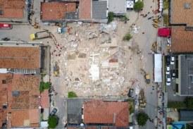 Sobe para seis o número de mortos em desabamento de prédio em Fortaleza