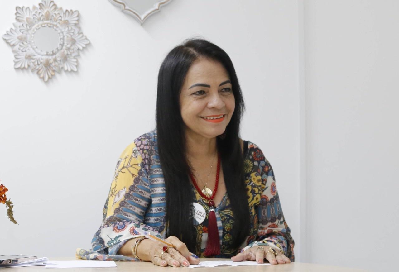 Moema participa de Sessão Especial na ALBA em alusão ao Outubro Rosa