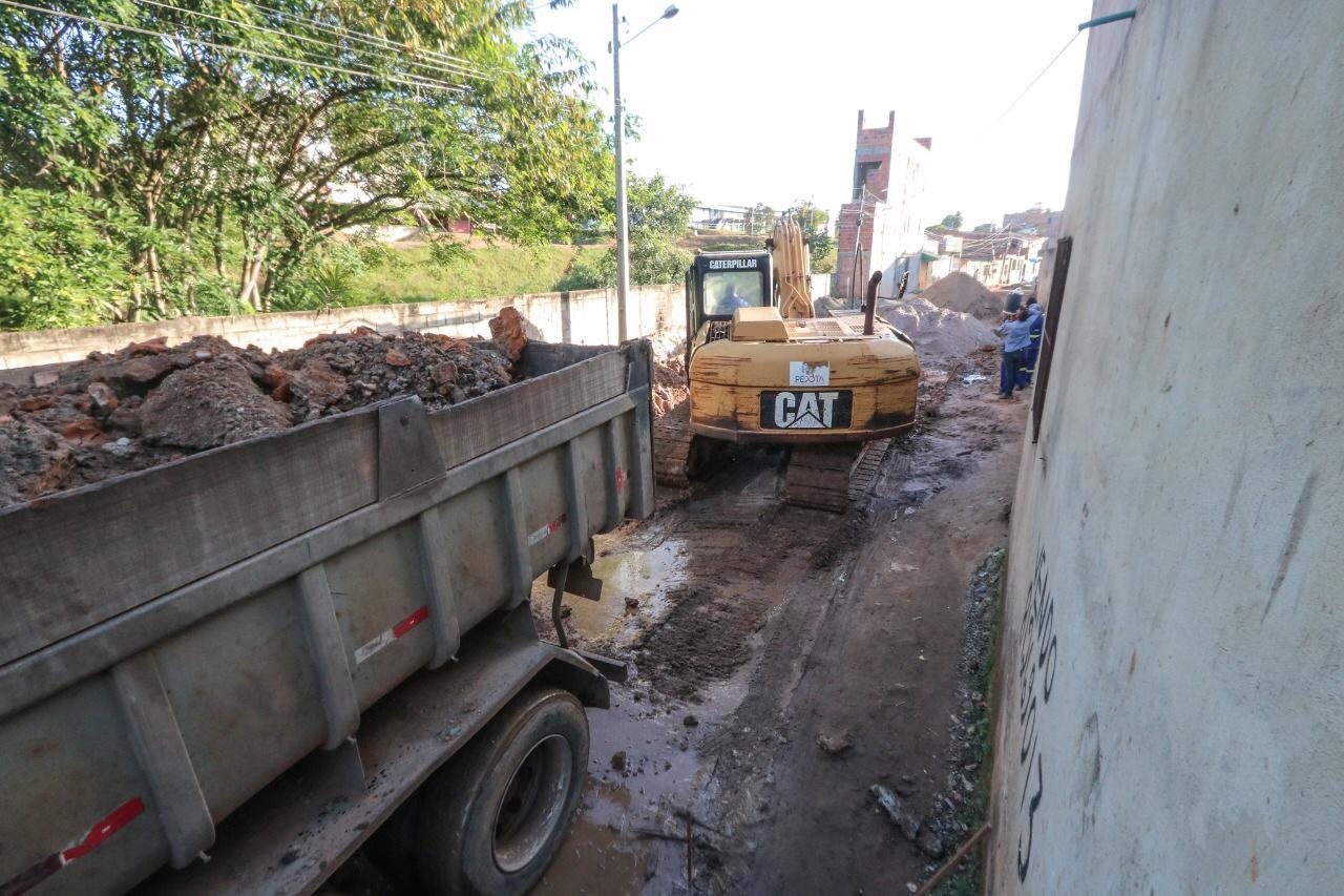 Prefeitura dá início às obras de pavimentação de ruas no Caji