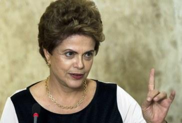 Em Buenos Aires, Dilma fala com Lula pelo telefone e diz que petista está feliz