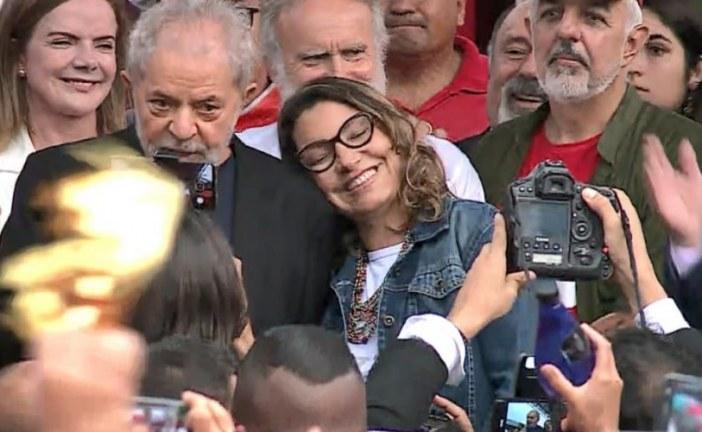 PT busca nova casa para Lula morar com namorada