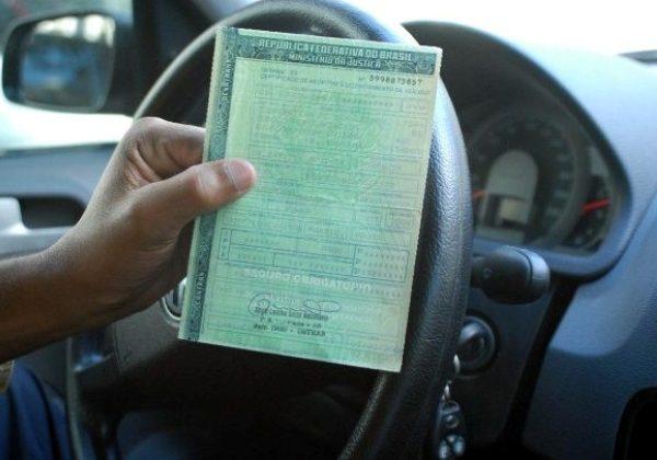Com 341,9 mil veículos com IPVA atrasado, Sefaz oferece 70% de desconto na multa