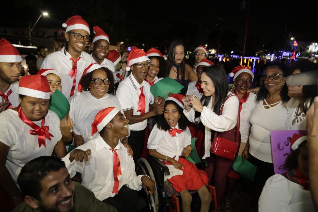 Lauro de Freitas celebra 'Um Natal de muita Luz' com show na Praça da Matriz