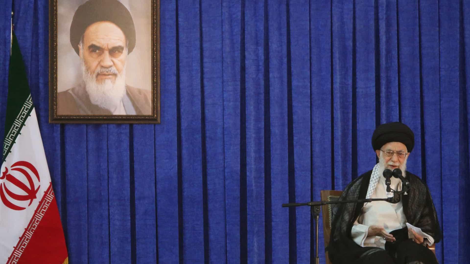 """Trump é um """"palhaço"""" que vai """"espetar um punhal envenenado"""" no Irã"""