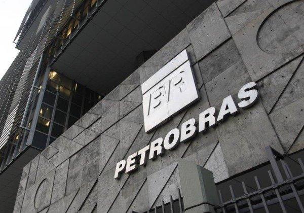 Petrobras segue os passos do BB e anuncia que aposentado será desligado