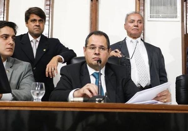 Partidos veem com preocupação crescimento do PP em ano de sucessão na Alba