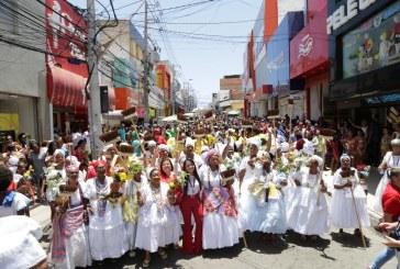 Cortejo em homenagem ao padroeiro de Lauro de Freitas levou milhares de pessoas às ruas do Centro