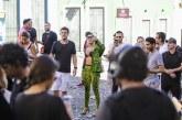 Anitta é criticada ao recusar abraço de criança em Salvador; veja vídeo
