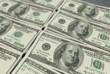 Dólar bate R$ 4,50 com temor por surto de coronavírus