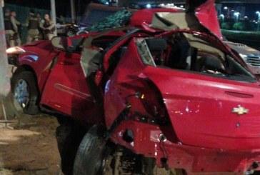 Suspeitos de assaltar motorista de app morrem após perseguição e acidente na Paralela
