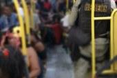 Operação Folia e Paz conduz 52 pessoas por vandalizarem ônibus