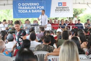 Rui inaugura reforma do Estádio Municipal e entrega ambulâncias em Cordeiros