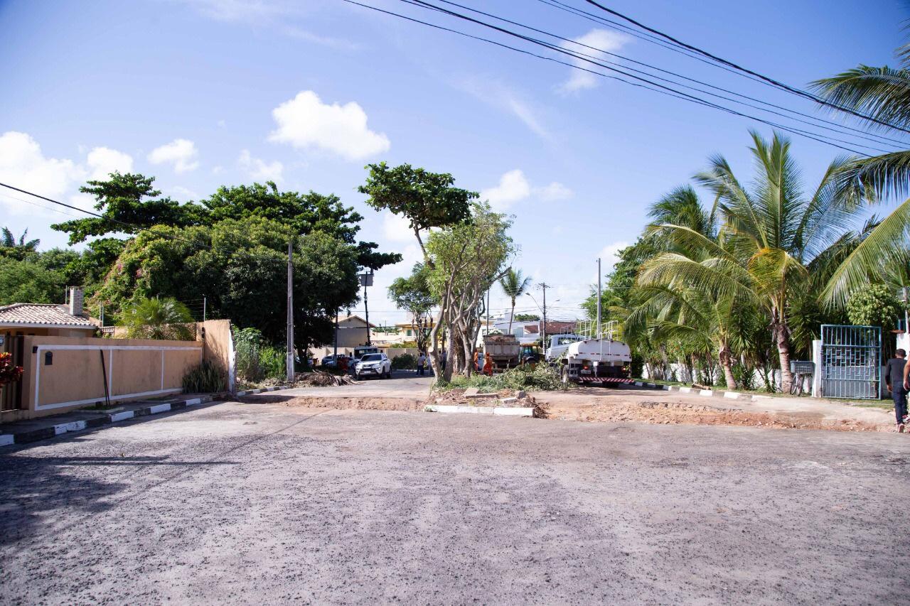 Retirada de muro que dividia Buraquinho e Vilas vai melhorar mobilidade na região