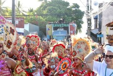 Bankoma arrasta público pelas ruas de Portão em agradecimento à comunidade