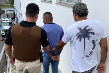 Operação localiza suspeito de atingir três pessoas no Circuito Osmar. Ele usava tornozeleira eletrônica