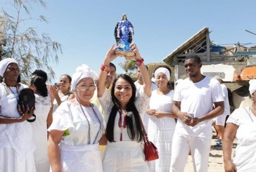 2 de fevereiro: Prefeita Moema reverencia Iemanjá em Buraquinho