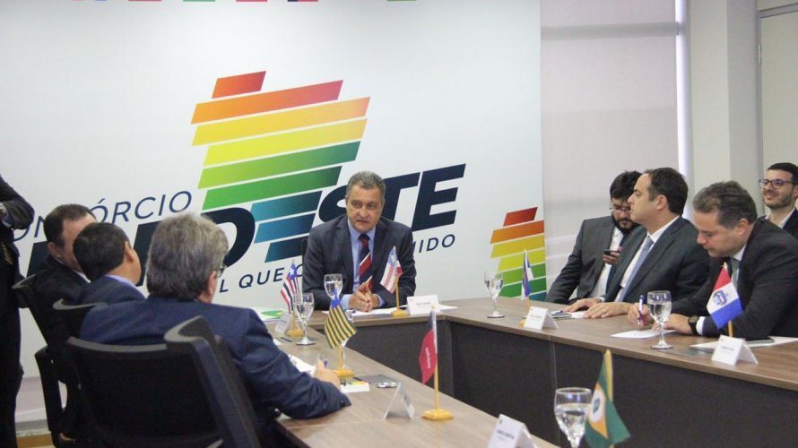 """""""Agressões e brigas não salvarão o País"""", dizem governadores do Nordeste sobre Bolsonaro"""