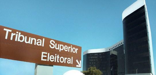 Eleitores poderão regularizar título online; prazo termina em maio