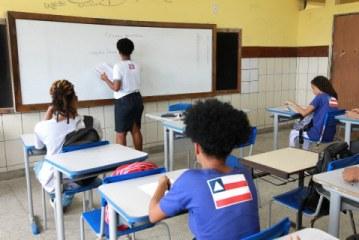 Governo publica MP que dispensa escolas de cumprirem 200 dias letivos