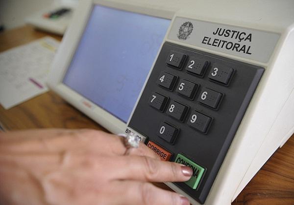 TSE suspende cancelamento de títulos para eleições deste ano