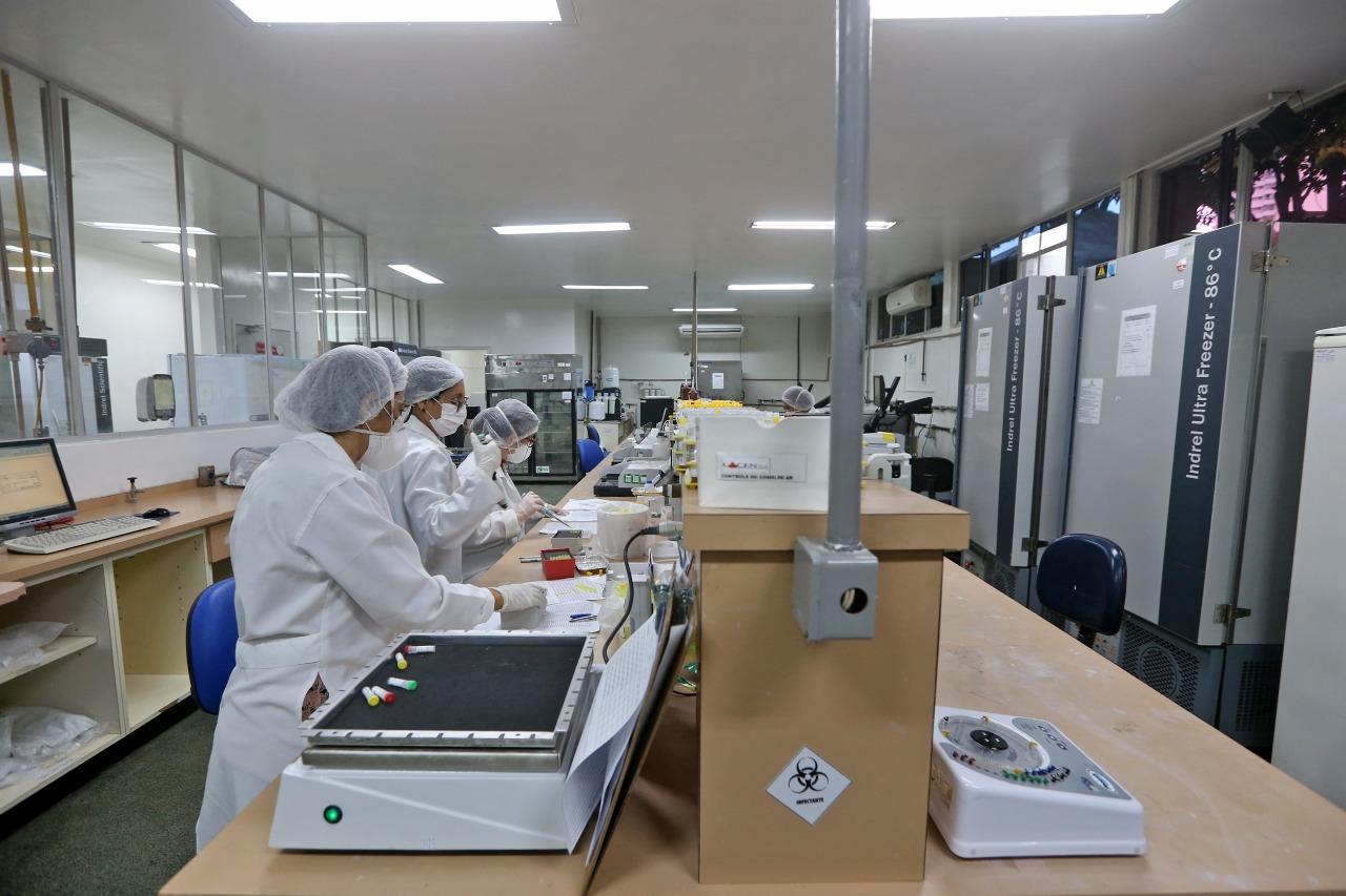 Com entrega de nova ala do Lacen, Bahia passa a ter capacidade para realizar mil testes diários da Covid-19