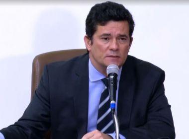 Moro fala em assédio por demissão de Valeixo e nega saber ou assinar demissão