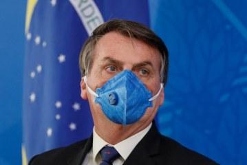 Câmara dá 30 dias para Bolsonaro mostrar exames para Covid-19
