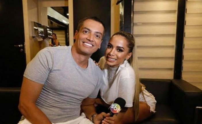 Anitta processa Leo Dias, e Justiça ordena que ele não fale mais nome da cantora