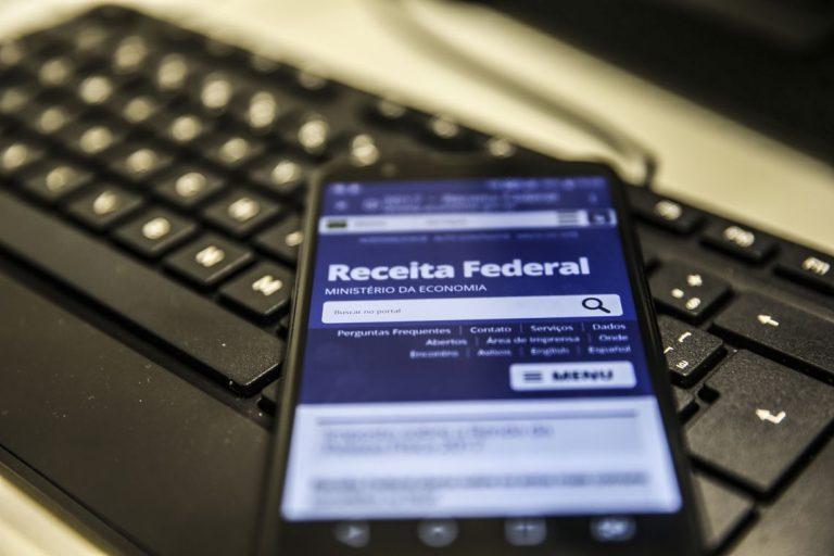 Imposto de Renda: consulta ao 3º lote de restituição abre nesta 6ª. Confira