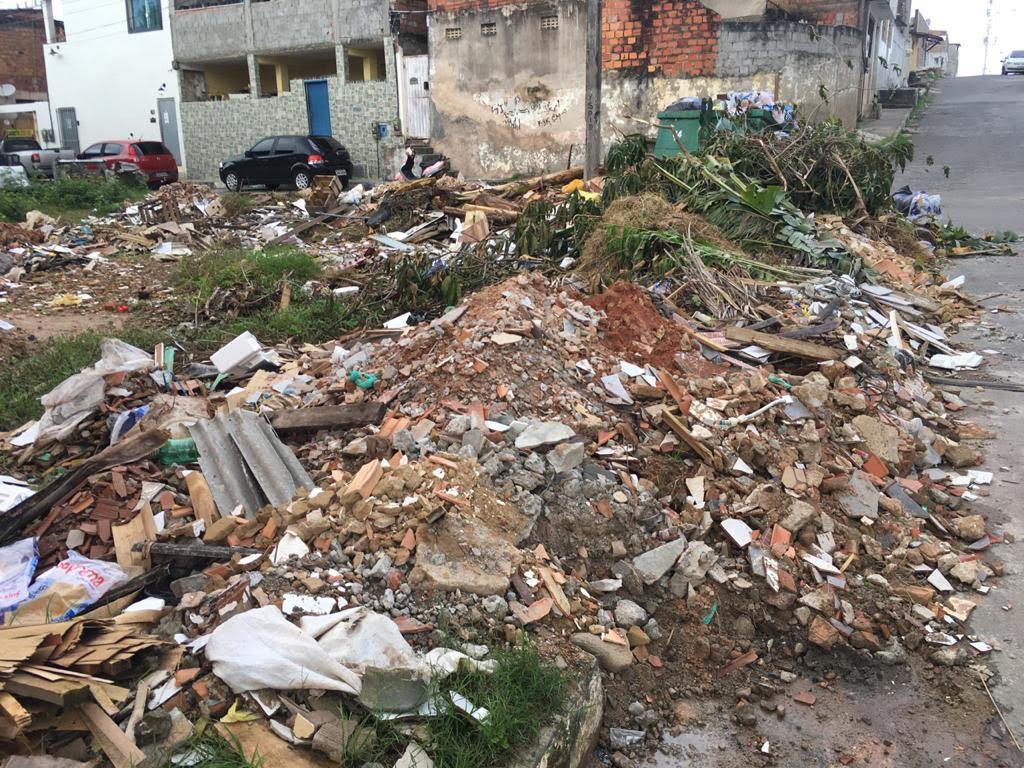 Sesp retira entulhos e realiza limpeza de ruas do Pouso Alegre; após solicitação do vereador César