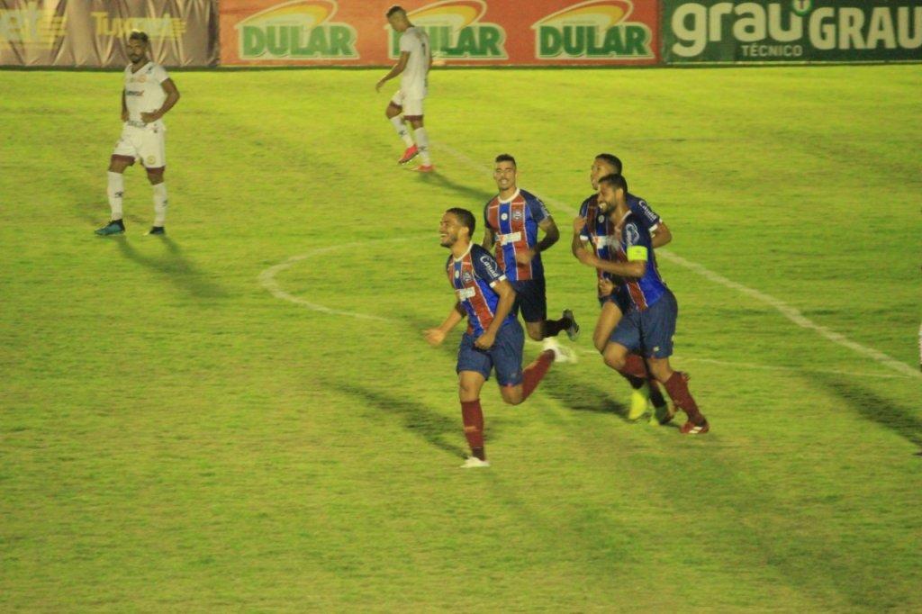 Bahia vence o Jacuipense e abre vantagem em busca de uma vaga na final do Campeonato Baiano