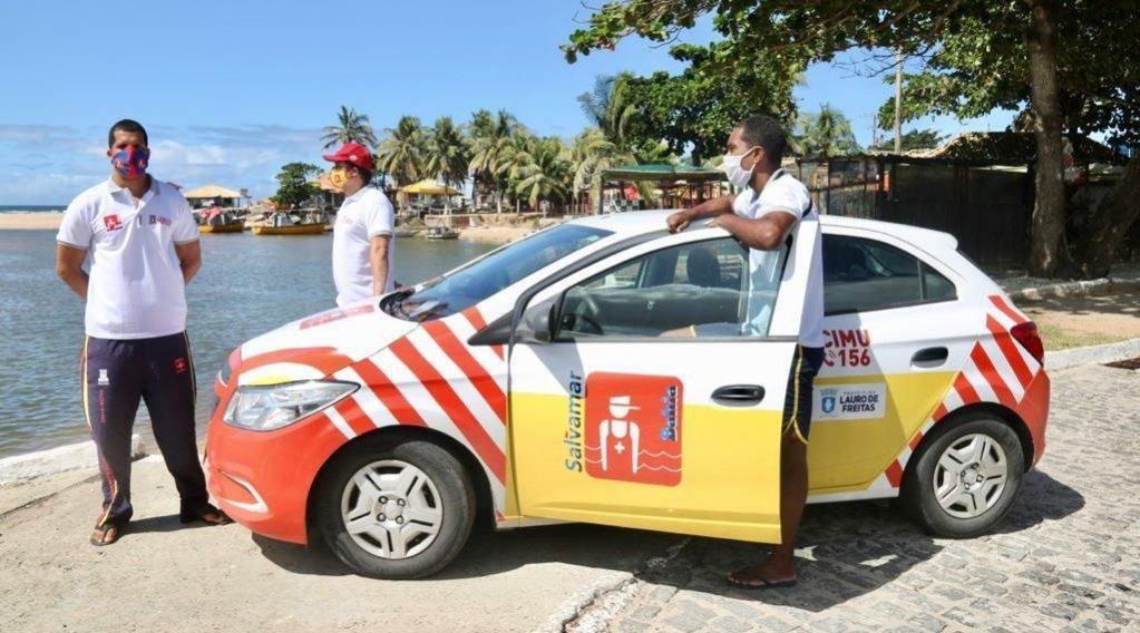 Prefeitura de Lauro de Freitas entrega nova viatura e novo fardamento