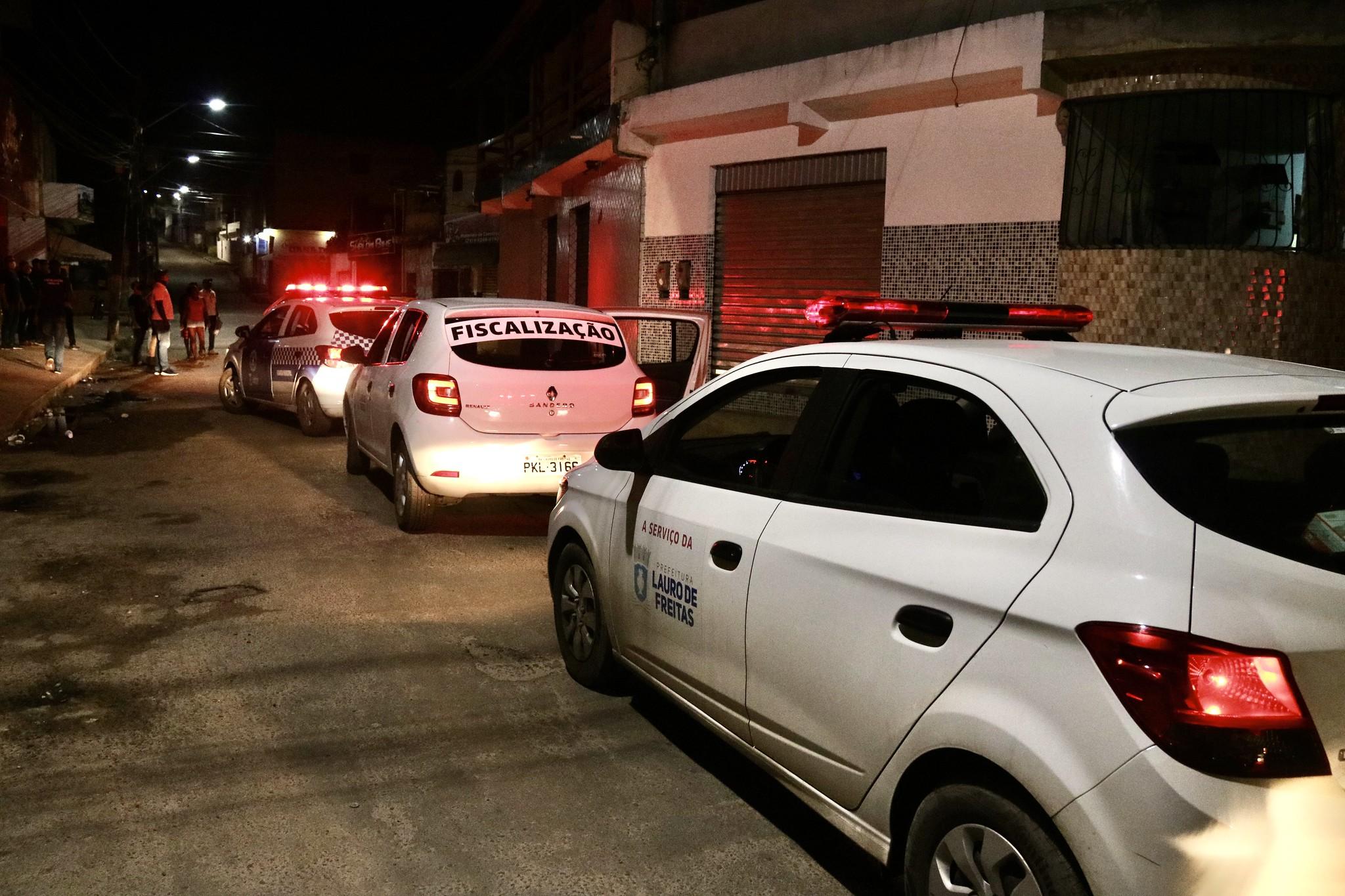 Toque de recolher é suspenso em Lauro de Freitas. Academias, restaurantes, entre outros podem funcionar até às 23h; veja detalhes