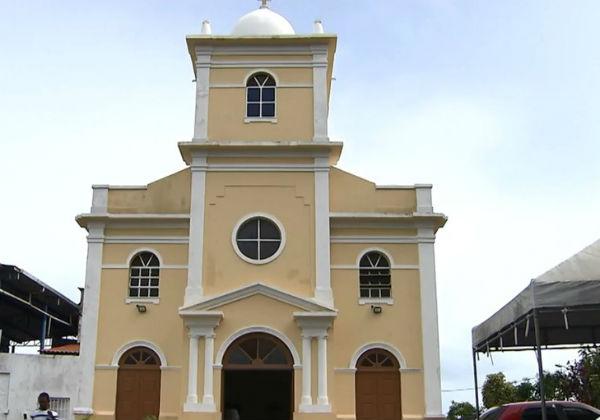 Casos de coronavírus entre padres e bispos volta a crescer com reabertura de igrejas