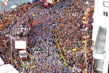 """Senador baiano diz que Carnaval do ano que vem """"tem que ser em fevereiro""""; político é casado com vice de Isidório"""