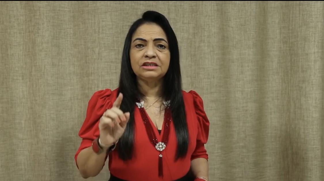"""Moema Gramacho ganha na Justiça direito de resposta após ser chamada de """"cretina"""" por deputado federal"""