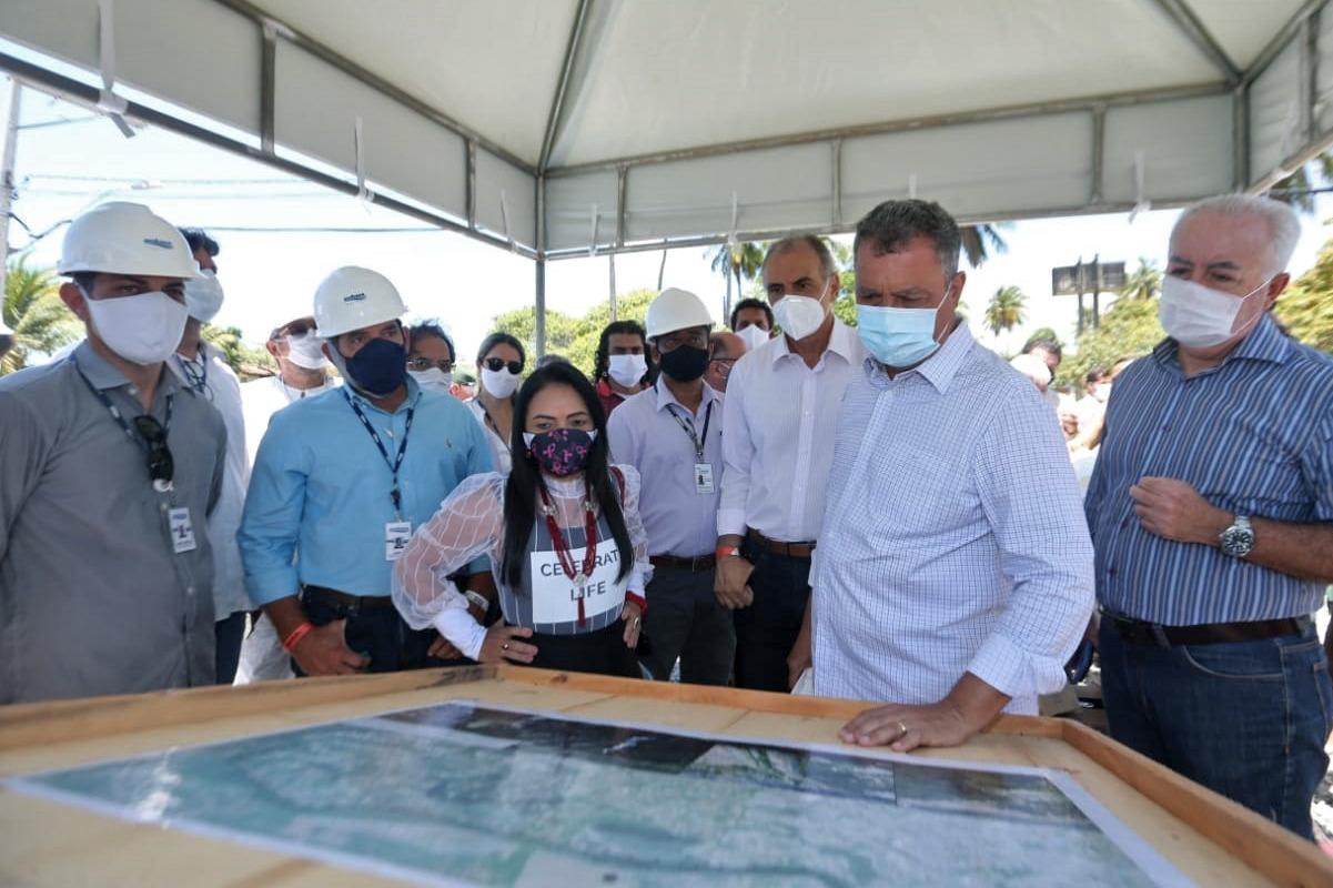 Rui entrega passarela, autoriza recuperação da Estrada do Coco e outras ações em Lauro de Freitas; investimentos somam R$ 560 milhões