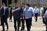 Bolsonaro e Davi Alcolumbre visitam Amapá após apagão e são recebidos com vaias; assista