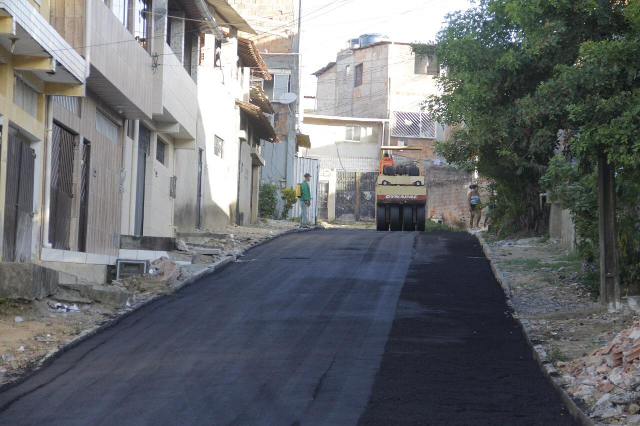 Prefeitura acelera pavimentação de ruas mesmo em tempos de pandemia