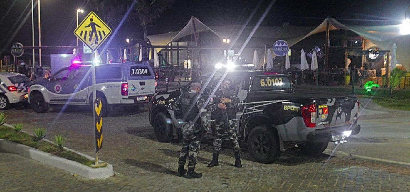 Polícia detém três pessoas no quarto dia com toque de recolher