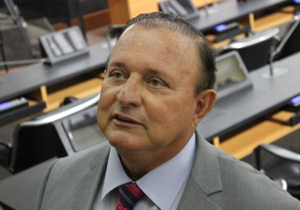 Adolfo Menezes é eleito presidente da Alba; confira nova formação da mesa diretora