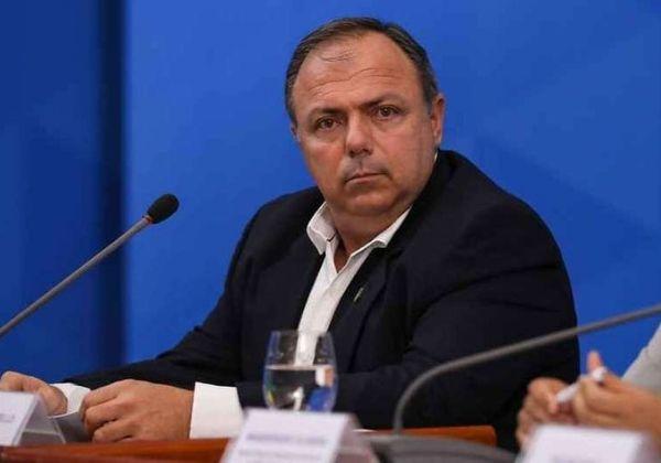 Confederação Nacional de Municípios pedem saída de Pazuello do Ministério da Saúde