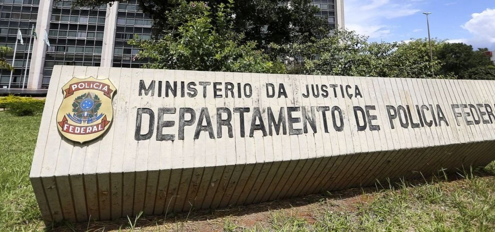 PF deflagra operação contra fraudes nos benefícios emergenciais na Bahia e em três estados