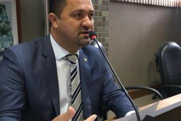 Deputado Osni Cardoso solicita reforma do Colégio Luís Eduardo Magalhães, em Monte Santo