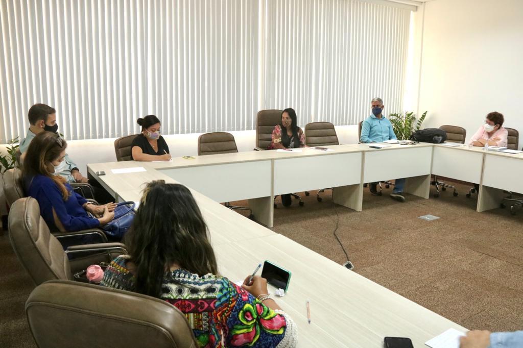Prefeitura e representantes de escolas particulares discutem modelo de ensino híbrido em Lauro de Freitas