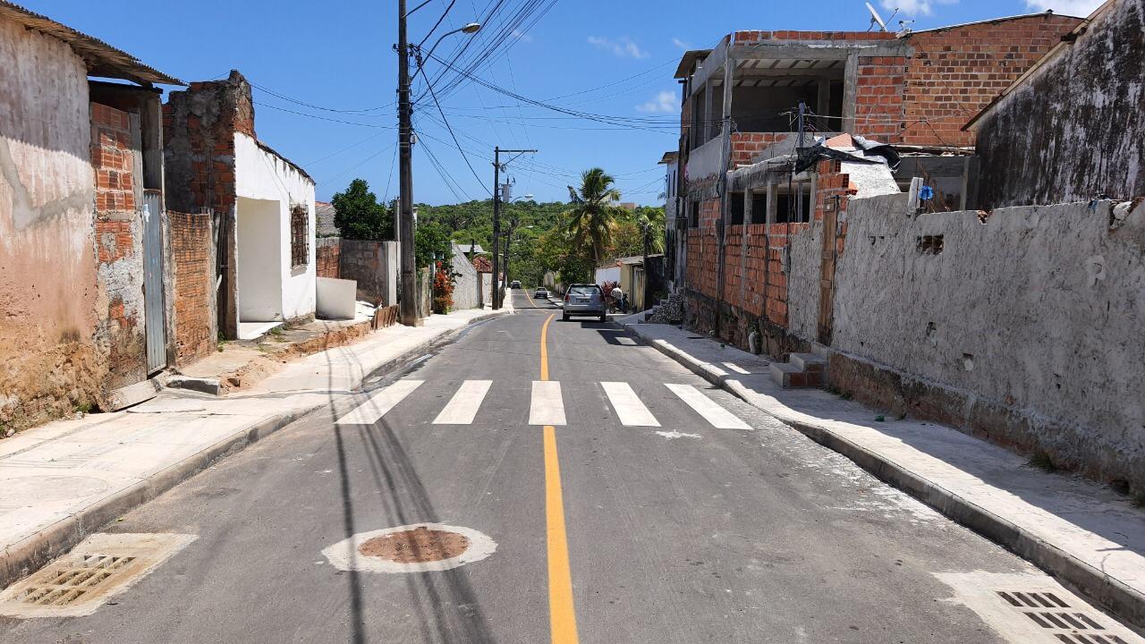 Prefeitura entrega obras de pavimentação de ruas nos bairros de Areia Branca e Vida Nova neste sábado (13)