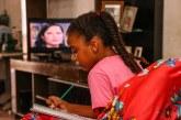 Estudantes da rede municipal de Lauro de Freitas voltam às aulas com transmissão pela TV Kirimurê