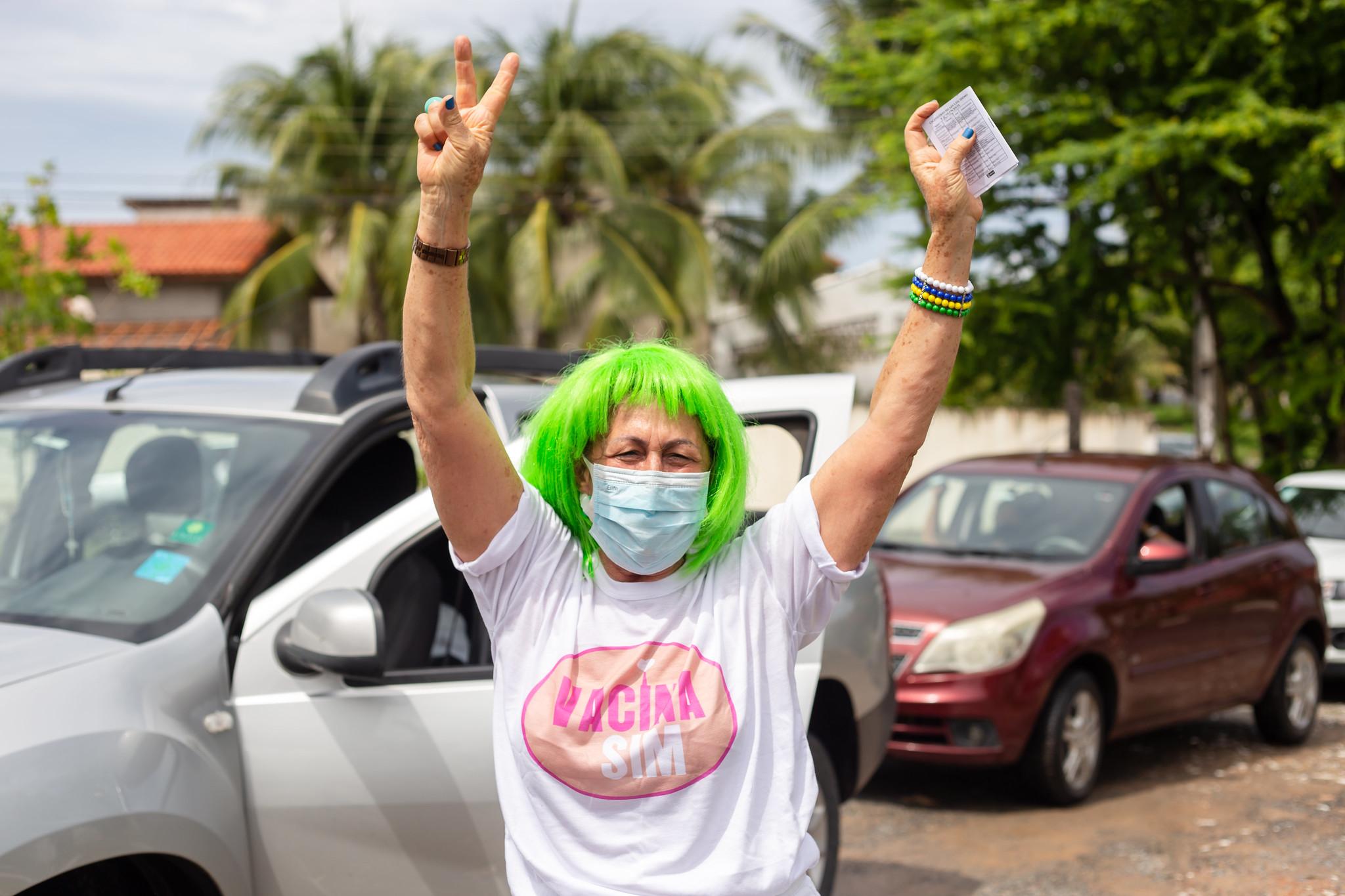 Lauro de Freitas inicia imunização de profissionais da Educação com idade entre 55 a 59 anos