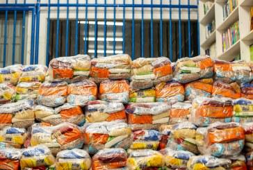 Pais de alunos da Escola Eurides Santana agradecem kits alimentação entregues pela Prefeitura. Já são mais de 27 mil beneficiados