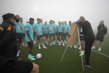Seleção treina parte tática visando jogos das Eliminatórias